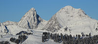 Rochers des Rayes and Rellerli in winter.