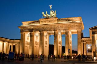 Brandenburger Tor in Berlin bei Nacht