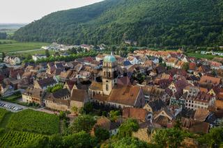 Blick über das mittelalterliche Kaysersberg im Elsass
