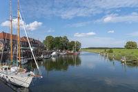 Segelboote im Alten Hafen von Hooksiel