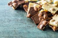 Nutty white and dark chocolate with hazelnuts.
