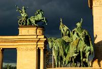 heldenplatz statue gruppe budapest