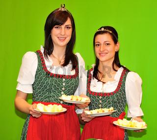 Apfelkönigin Stefanie I und Prinzessin aus der Steiermark in Österreich