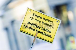 politiker haften für ihre polizisten