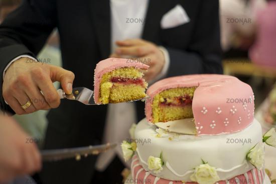Foto Hochzeitstorte Anschneiden Bild 4514296