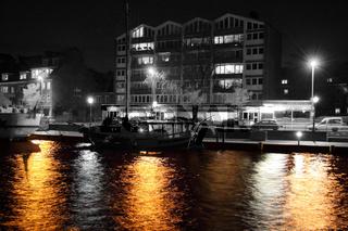 Alter Binnenhafen bei Nacht