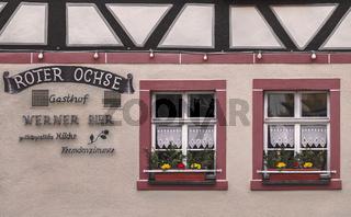 Fassadendetail einer restaurierten Restaurants