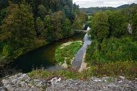 Naturpark Obere Donau; Blick vom Amalienfelsen auf die Donau bei Inzigkofen, Baden Württemberg, Deutschland