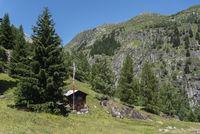 Berhütte zwischen Bellwald und Aspi-Titter Hängebrücke bei Fieschertal Mountain hut between Bellwald and Aspi-Titter Suspension bridge near Fieschertal