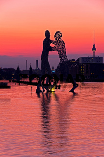 molecule men berlin skyline