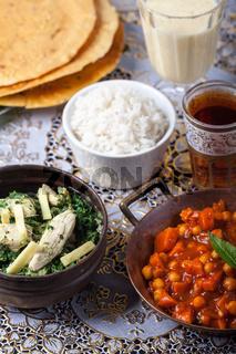 indische Gerichte mit Reis