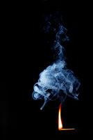 rauch mit wirbel und flamme