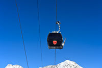 Gondel der Spielbodenbahn vor dem Wiesmies Gipfel, Saas-Fee, Wallis, Schweiz