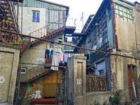 Renovierungsbedürftiger Teil der Altstadt, Tbilisi, Georgien