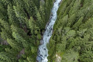Lamaschlucht mit dem Fluss Rhone bei Bellwald