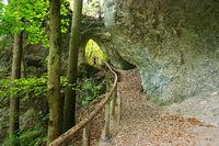 Naturpark Obere Donau; Felsentor bei den Inzigkofer Grotten, Baden Württemberg, Deutschland