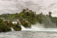 Rheinfall bei Schaffhausen mit Schloss Laufen, Neuhausen am Rheinfall,  Kanton Schaffhausen, Schweiz