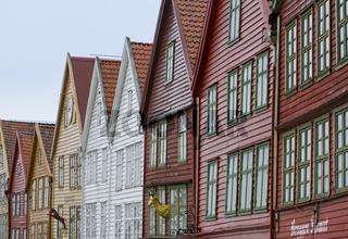 Holzhäuser in Bergen