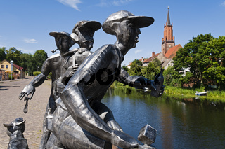 Skulptur 'Schleusenspucker' am Stadtkanal, Rathenow