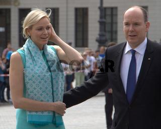 Fürst Albert II. von Monaco und Fürstin Charlene besuchen das Brandenburger Tor