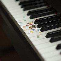 Piano Confetti