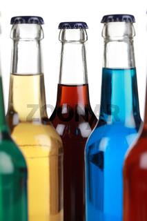 Bunte Getränke in Flaschen