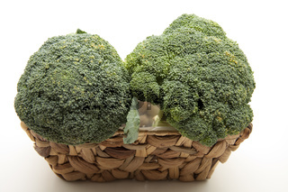 Brokkoli frisch im Korb