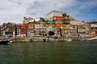 Der Hafen Cais da Ribeira , Porto Portugal