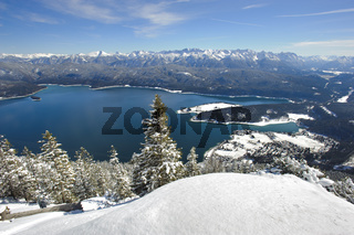See in Bayern im Winter