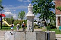 Spanien: Trinkwasserquelle in Villambista