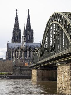 Kölner Dom und Hohenzollernbrücke - Köln am Rhein