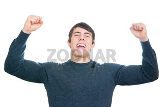 Muskulöser Mann jubelt vor Freude