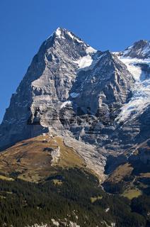 Der Eiger mit Eiger-Nordwand im Schatten