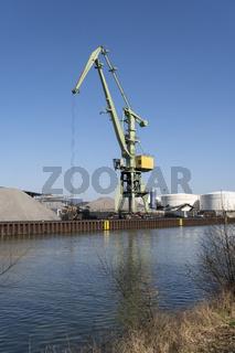 Kran im Stadthafen am Datteln-Hamm-Kanal, Luenen, Ruhrgebiet, Nordrhein-Westfalenn