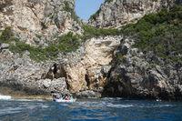 Boot an der Küste bei Paleokstritsa, Korfu