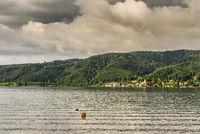Blick über den Bodensee auf den Ort Bodman, Baden-Württemberg, Deutschland