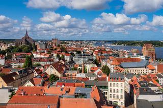 Blick über die Dächer der Hansestadt Rostock