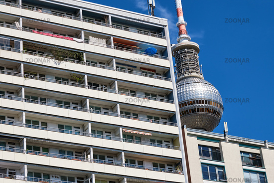 Sozialer Wohnungsbau mit dem Fernsehturm