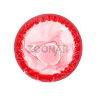 Farbiges Kondom isoliert auf weiß