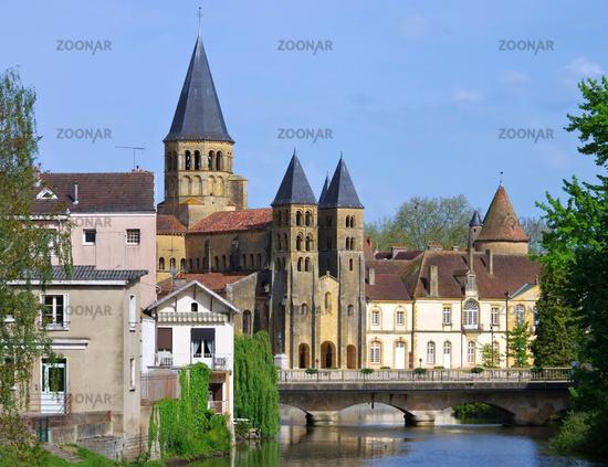 Paray-le-Monial Sacre-Coeur 05