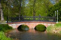 Backsteinbrücke im Schlosspark Ludwigslust