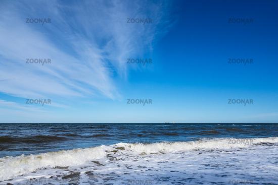 Wellen an der Ostseeküste bei Nienhagen