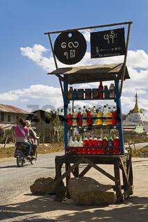 Tankstelle in Kaung Daing bei Nyaung Shwe, Region Inle-See, Myanmar
