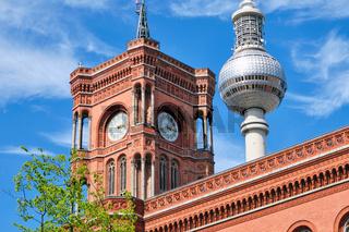 Detail des Turms des Roten Rathauses