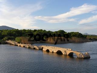 römische Brücke über den Stagno di Calich auf Sardinien