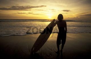 Ein Strand in Kuta im Sueden der Insel Bali in Indonesien in Suedostasien.