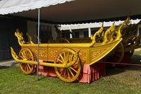 Goldener königlicher Wagen im Palastmuseum