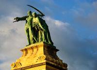 heldenplatz budapest statue