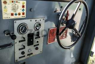 Cockpit alter Zug