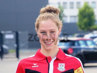 deutsche Schwimmerin Finnia Wunram SC Magdeburg bei Verabschiedung für Tokio Olympia 2021